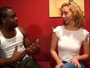 18 years old Kelly ruined by large ebony shaft