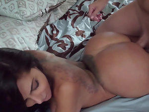 A big ass lady that loves to handle dick is fucked in the bed